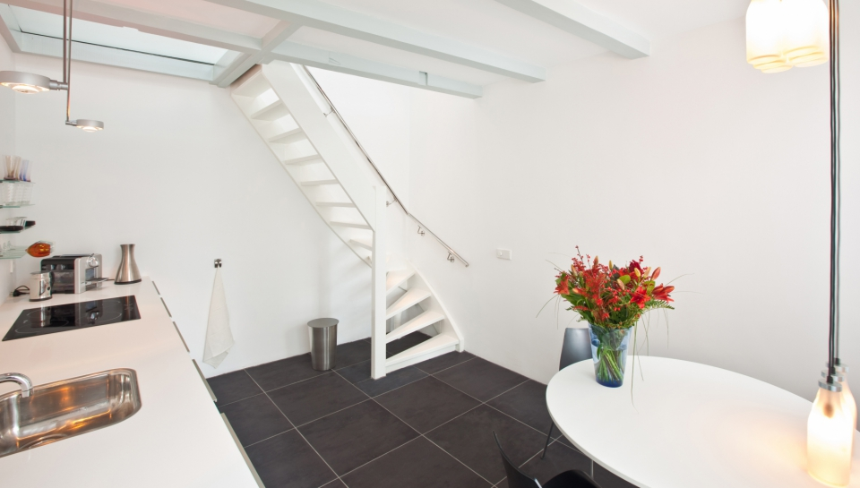 Short-Stay-The-Hague-city-apartment-k-03